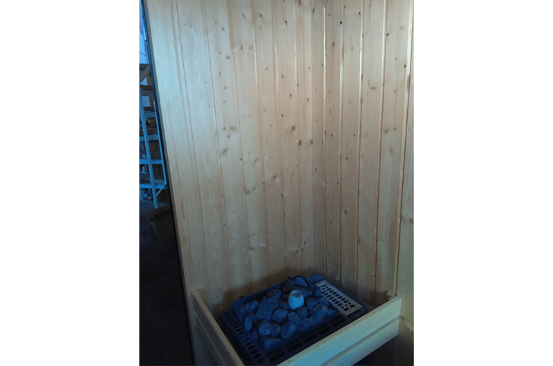 Zimmerei Hasenfratz - Referenzen - Sauna mit Dachfenster