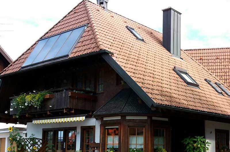 Zimmerei Hasenfratz - Referenzen - Wohnhaus mit Schwarzwalddach